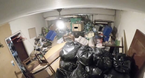 Müll im Haus. Quelle: YouTube Screenshot