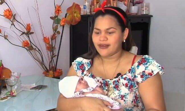 Itzmara und Monica. Quelle: YouTube Screenshot