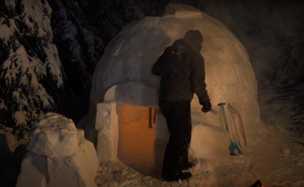 Bau eines authentischen Iglu-Schneeunterstandes in Alaska. Quelle: Screenshot YouTube