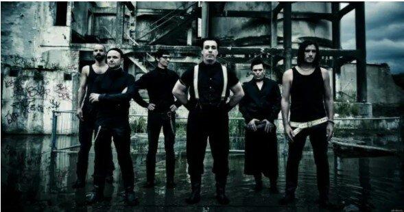"""Seit 26 Jahren auf der Bühne: """"aufsehenerregende"""" Geschichten über die deutsche Band Rammstein"""