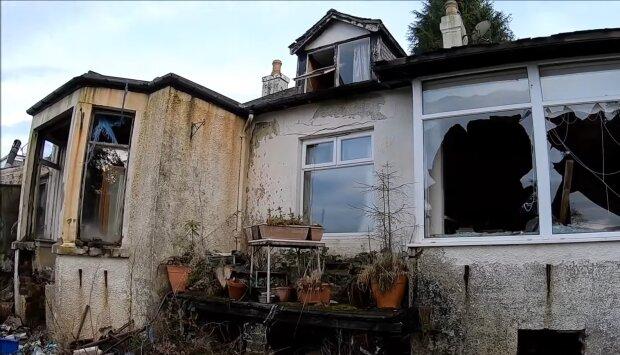 Alte verfallene Haus. Quelle: YouTube Screenshot