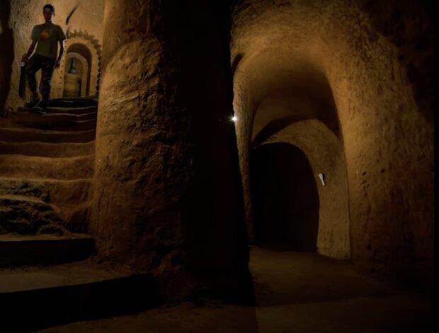 Geheimtunnel. Quelle: Screenshot YouTube