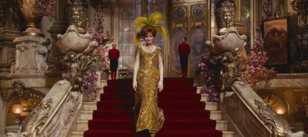 Teure und exquisite Kleid. Quelle:Screenshot YouTube