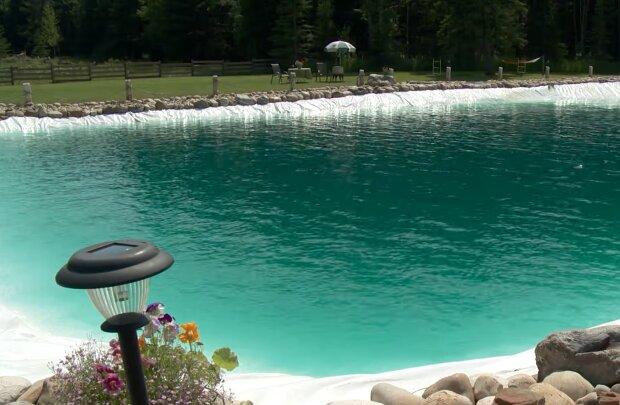 Riesiger Pool. Quelle: YouTube Screenshot