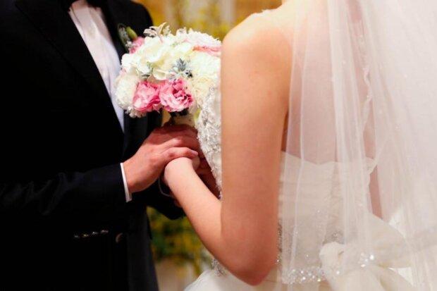 Als die Braut die Ex-Frau ihres Mannes bei der Hochzeit sah, brach sie die Zeremonie ab