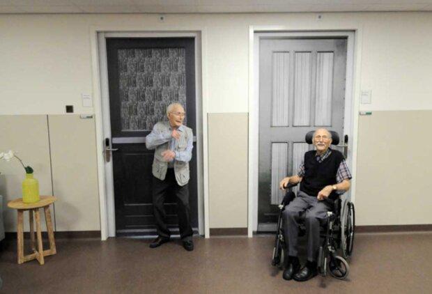 Wie Tür-Aufkleber besonderen Menschen in den Niederlanden helfen