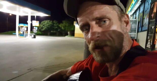 Ein Obdachloser. Quelle: Youtube Screenshot
