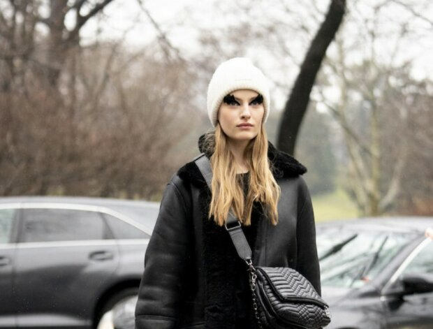 Sie ewärmen und machen den Look stylischer: man nannte modische Herbst-Accessoires