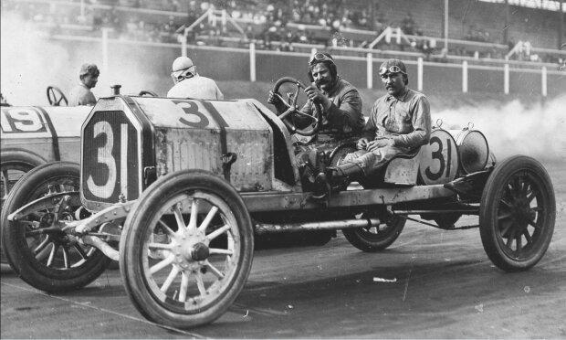 Geboren am Weihnachtstag: Der Rennfahrer und geniale Mechaniker Louis Chevrolet wurde am 25. Dezember geboren