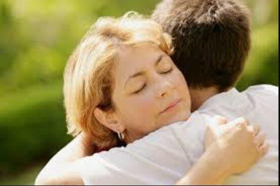Die Liebe Eines Sohnes Für Seine Mutter