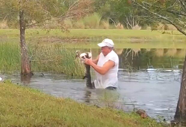 Wie Richard Wilbanks seinen Welpen aus dem Mund eines Alligators rettete