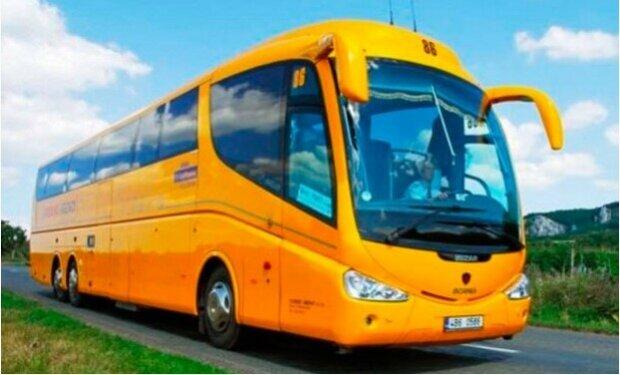 Der Busfahrer entschied, dass sich der dreijährige Passagier seltsam benahm, und rief die Polizei an
