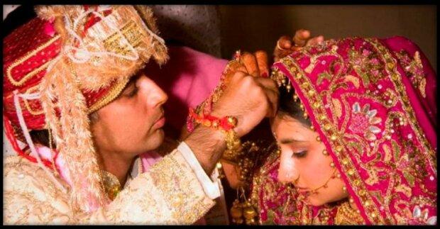 Indische Hure Lutscht Ihren Mann