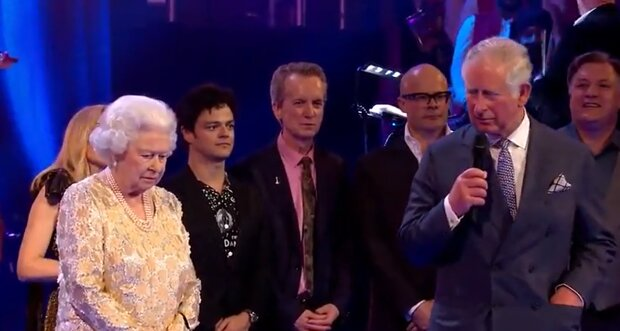 Prinz Charles besuchte seinen Vater im Krankenhaus und kehrte mit Tränen zurück