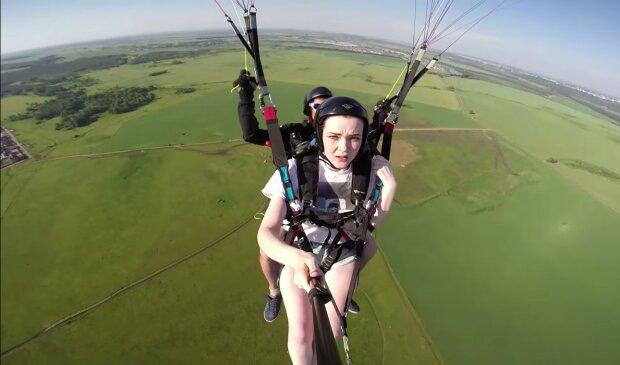 Die Rettungsgeschichte einer jungen Frau: Ein Gleitschirm brachte sie in eine Höhe, in der nur Flugzeuge fliegen