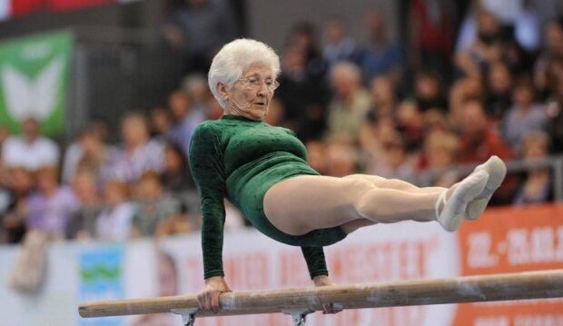 Die älteste Turnerin der Welt: 95-jährige Johanna Kwaas kann alle Elemente zeigen