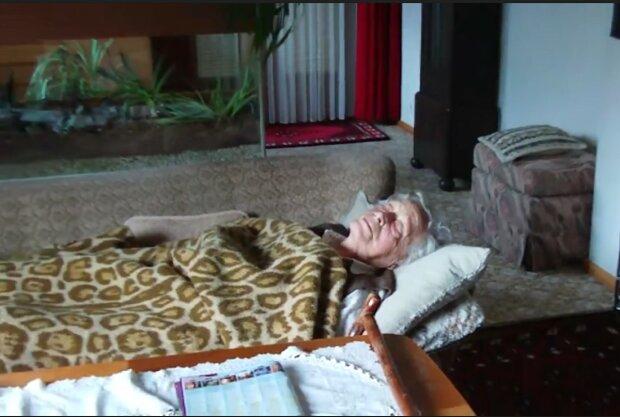 Ein ungewöhnlicher Vorfall mit einer Rentnerin. Quelle: Screenshot YouTube