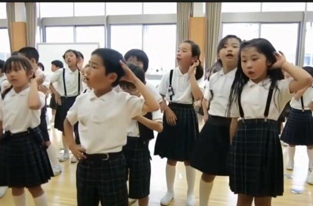 Interessante Merkmale der Erziehung der jüngeren Generation. Quelle: Screenshot YouTube