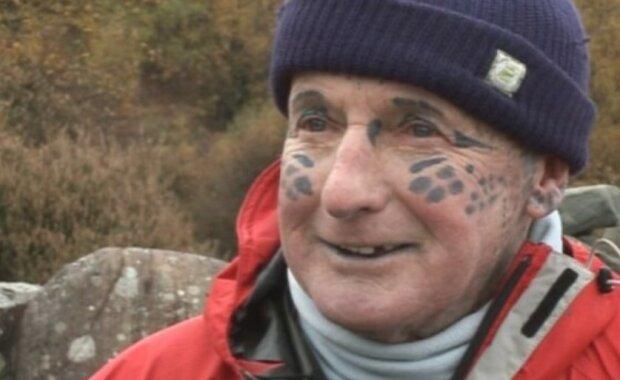 Geschichte des Leopardenmannes: Der am dichtesten tätowierte Mann der Welt beendete seine Tage in einem Pflegeheim