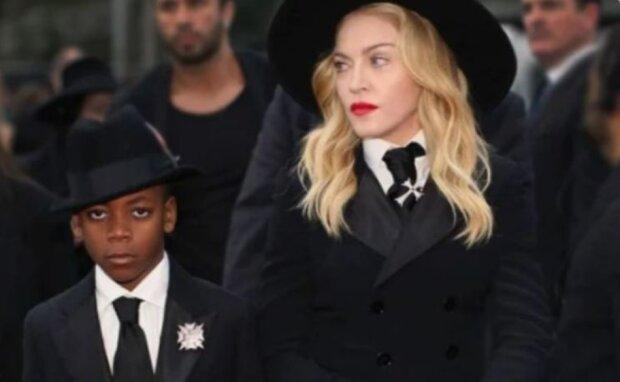 Wie der Junge lebt, den Madonna vor 14 Jahren adoptiert hat