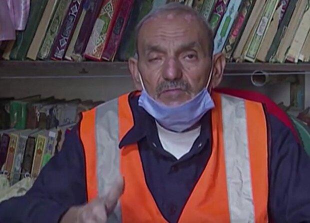Ein zweites Leben für Bücher: Ein Mann sammelt Literatur von Mülldeponien, um eine Bibliothek zu schaffen