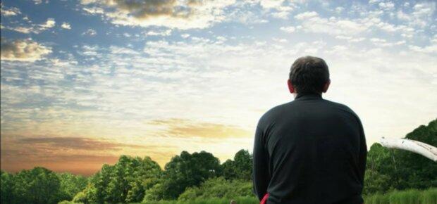 Ein Mann war 13 Jahre lang zu dem Ort gegangen, an dem sein Sohn die Welt verlassen hat: Eines Tages fand er dort einen Zettel
