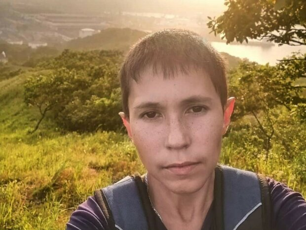 Warum ein junger Mann mit 32 Jahren wie ein Teenager aussieht und schon seit 20 Jahren älter nicht wird