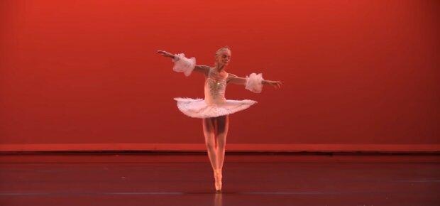 Fast 100 Jahre alt und tanzt immer noch: Oma verdient Geld mit Tanzstunden für den guten Zweck