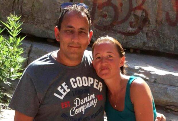Nachdem das Paar zwei Jahre lang zusammengelebt hatte, ließ es sich wegen der Unfruchtbarkeit der Frau scheiden, aber später trafen sie sich wieder