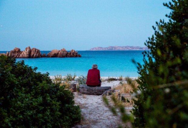 30 Jahre Einsamkeit: Ein Mann ist vor vielen Jahren auf eine einsame Insel geraten und lebt nun allein dort