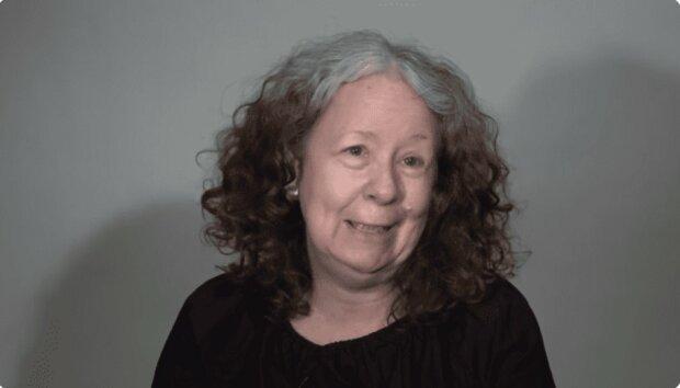 Komplette Transformation: Eine 60-jährige Frau erkannte sich nicht im Spiegel, nachdem sie zum Stylisten gegangen war