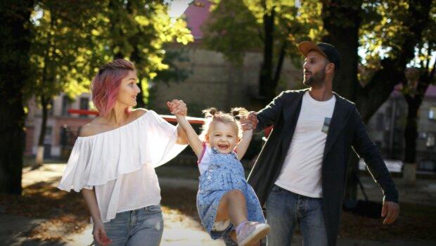 Glückliche Familie. Quelle: Screenshot YouTube