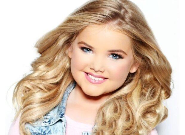 Eden Wood: Wie sich das berühmteste puppenhaft aussehende Mädchen der Welt im Laufe der Zeit verändert hat