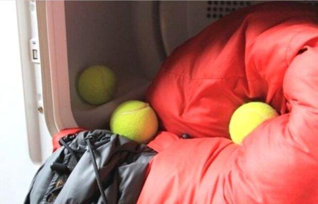 Experten haben erzählt, warum man Winterjacke mit Tennisbällen waschen soll