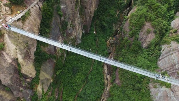 Auf den ersten Blick ist dies eine gewöhnliche Brücke, aber nur wenige entscheiden sich dafür