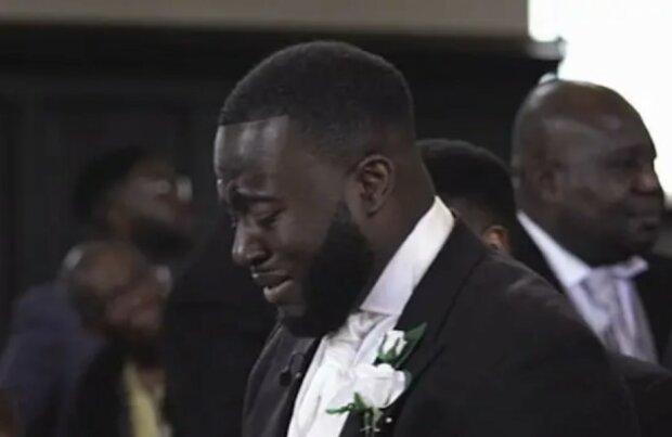 Er brachte in den Tränen aus: warum der Bräutigam bei der Hochzeit direkt vor dem Altar weinte