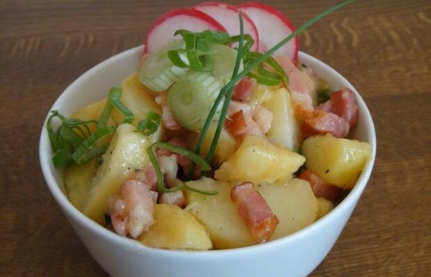Herzhafter Salat mühelos. Quelle: Screenshot YouTube