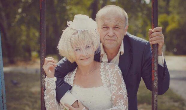 Die Hochzeit von 50-jährigen Neuvermählte. Quelle: Screenshot YouTube