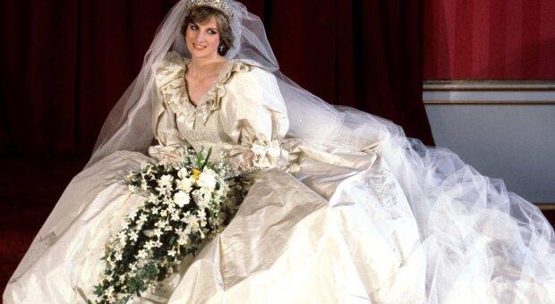 Wie sahen die schönsten Hochzeits-Couture-Outfits in den 90er Jahren aus