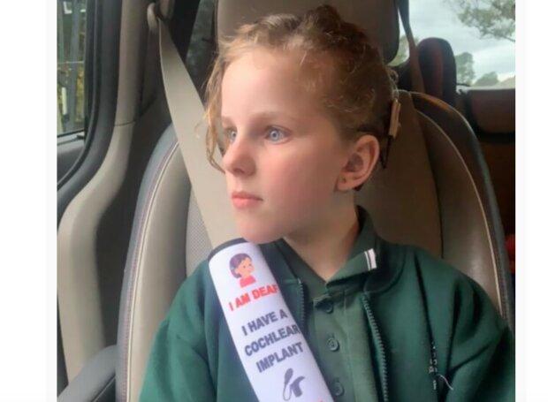 Mutter fertigt Sicherheitsgurte an, die Retter vor Gesundheitsproblemen von Kindern warnen würden