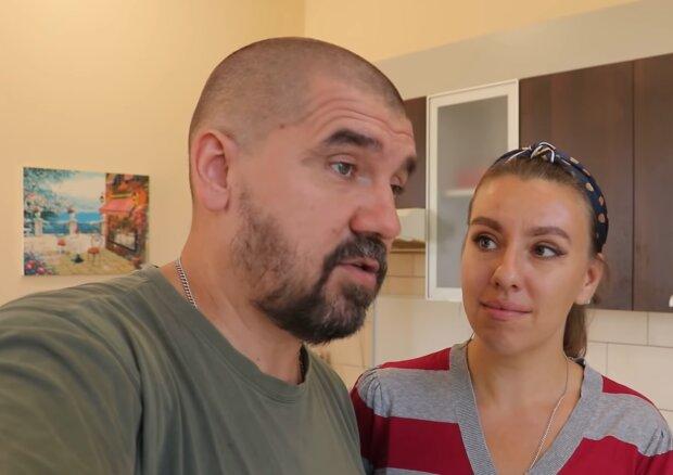 James und Kelly. Quelle: YouTube Screenshot