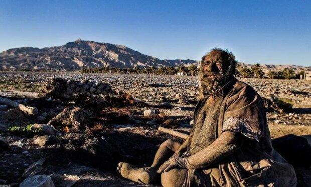 Wie sieht ein Mann aus, der seit 60 Jahren nicht mehr gebadet hat