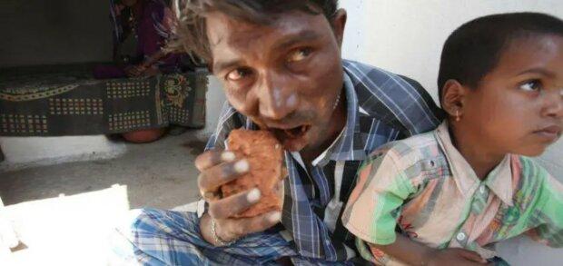 Indianer isst seit 20 Jahren Ziegel und Steine