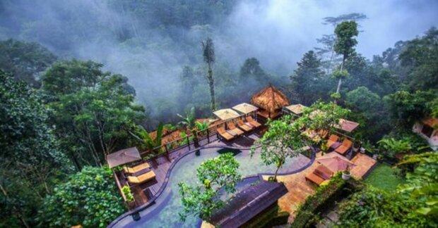 Ein Mann hat mit eigenen Händen einen unterirdischen Pool mitten im Dschungel gebaut, Details