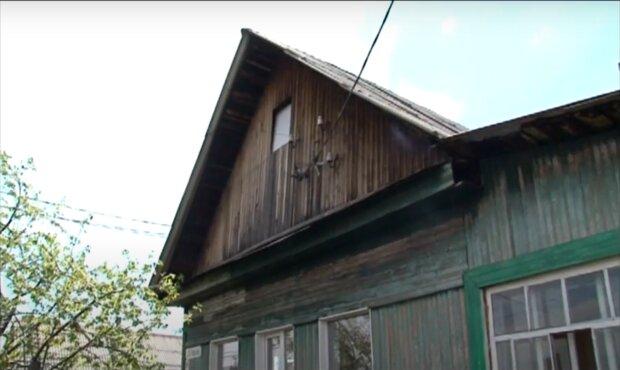 Kinderreiche Familie weigerte sich, in ein großes Haus zu ziehen. Quelle: Screenshot Youtube