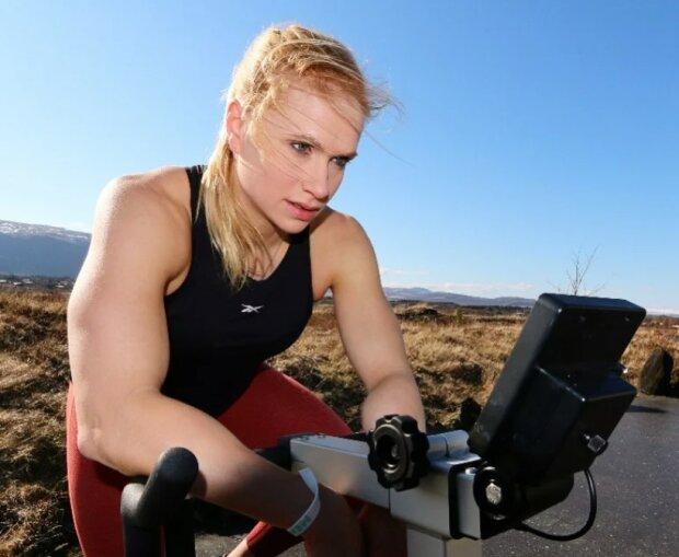 Kühne Frau: Wie Annie Torisdottir in den letzten Wochen der Schwangerschaft trainiert hat