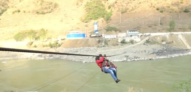 Gefährliche Strecke. Quelle:Screenshot YouTube