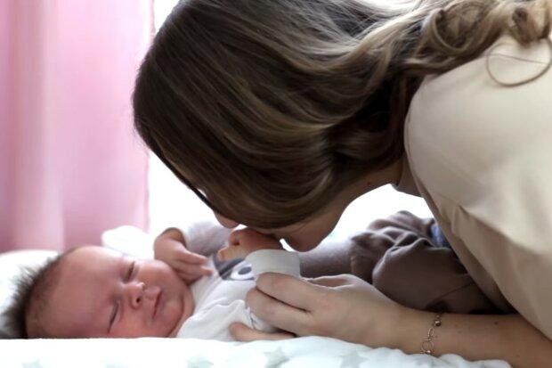 Mamas Wachsamkeit hat die Familie gerettet. Quelle: Screenshot YouTube