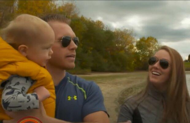 Große Freude für die Familie. Quelle: Screenshot YouTube
