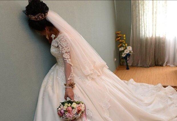 Der Bräutigam verließ die Frau vor der Hochzeit, aber die Frau entschied, dass er nicht den Tag verderben würde, auf den sie so lange gewartet hatte
